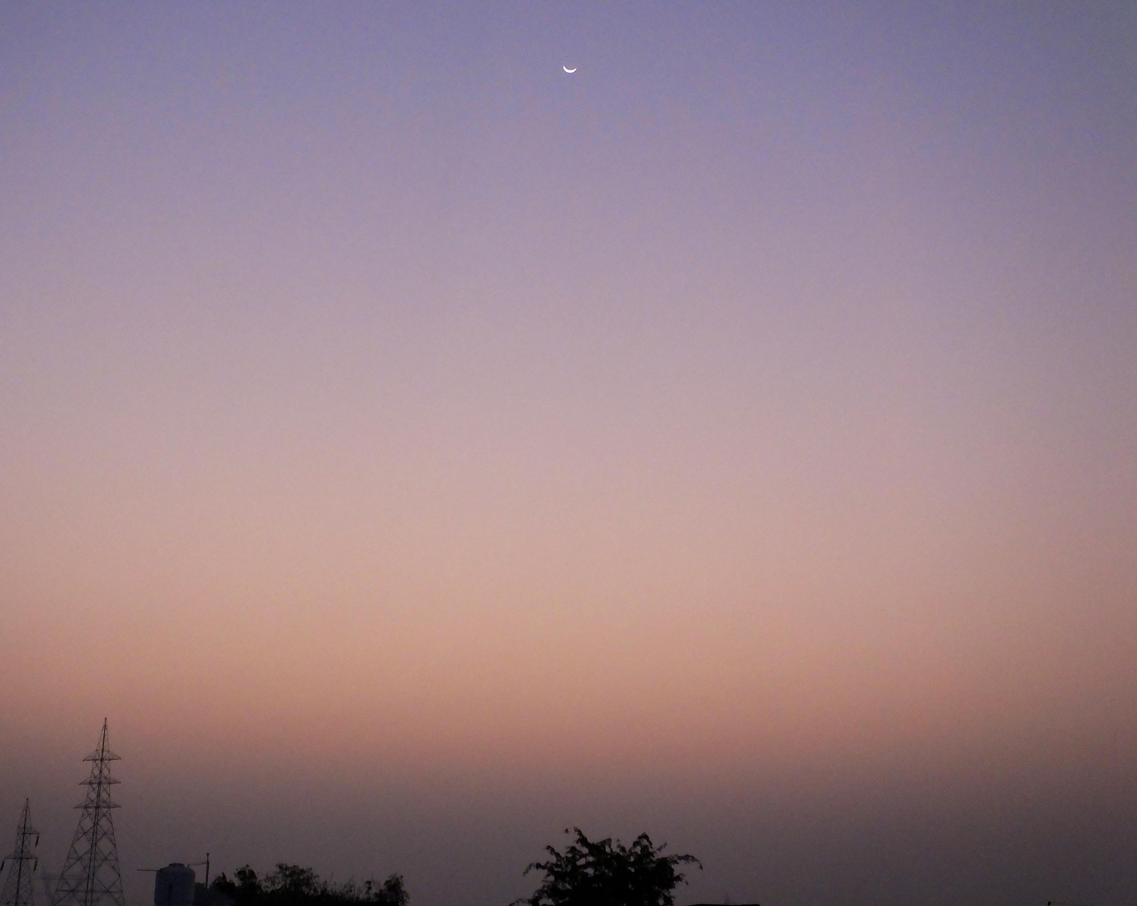moon26novsunrise